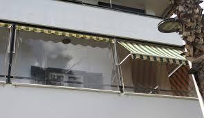 sonnenrollo f r balkon regenschutz fr balkon affordable also sonnen und fr jede terrasse