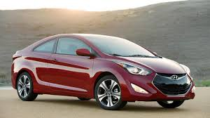 reviews on hyundai elantra 2014 hyundai elantra car and reviews autoweek