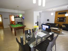 gold luxury modern and open plan apartment with jacuzzi 444349