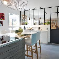 ilot central dans cuisine cuisine en l avec bar un prolongement de ilot central dans la
