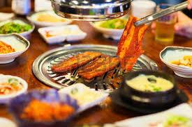 koreanische küche kimchi koreanische küche grill fleisch und gemüse lizenzfreie