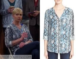 snake print blouse season 3 episode 3 s blue snakeprint blouse shop your tv