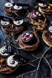 30 scrumptious halloween cookie recipes easyday