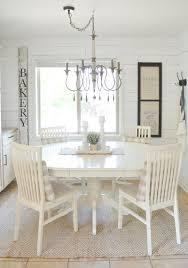 farmhouse style breakfast nook