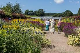 8 gardens to visit in the uk mygarden org