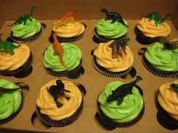 dinosaur cupcakes dinosaur cupcakes cara crumley cupcakes