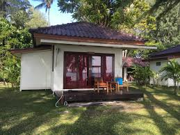 wapi resort beachfront bungalow koh lipe thailand travel