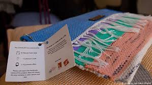 How To Make A Rug Out Of Plastic Bags Plastic Bags Become A Weaver U2032s Paradise Global Ideas Dw