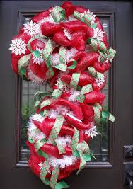 Decorating Christmas Wreath With Deco Mesh by 173 Best Deco Mesh Trees Images On Pinterest Deco Mesh Wreaths