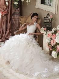 wedding dresses fluffy absolutely stunning wedding dresses with fluffy skirt