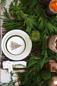 rustic christmas tablescape 2 bees in a pod
