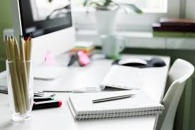 Office Work Desks Daily Habits To Keep Your Office Work Desk Clean Evolve Cleaning