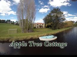 accommodation apple tree cottage adelaide