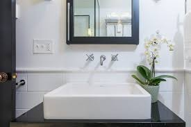 badezimmer hã ngeschrã nke sanviro kleine badezimmer dachgeschoss