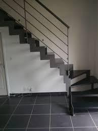 escalier design bois metal escalier quart tournant marche en métal structure en métal
