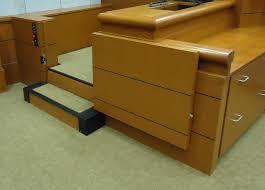 accessor i courtroom lift lift u division of hogan mfg inc