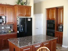 Kitchen Color With Oak Cabinets by Kitchen Kitchen Color Ideas With Oak Cabinets And Black