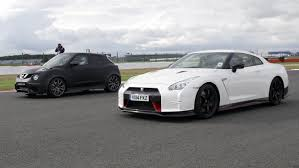 nissan juke price in uae nissan gt r nismo vs nissan juke r 2 0 drag race youtube