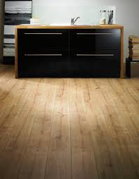 Laminate Flooring Surrey Vario 8mm New England Oak Laminate Flooring