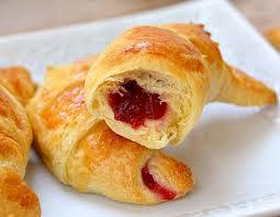 easy cranberry stuffed crescent rolls
