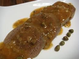 comment cuisiner une langue de boeuf langue de boeuf à la sauce aux câpres et cornichons astuces et