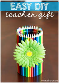 Pencil Vase Colored Pencil Vase A Fun New Twist With Colored Pencils