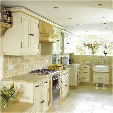 Travertine Tile For Backsplash In Kitchen Kitchen Designs Kitchen Tiles Interior Design Travertine Tile