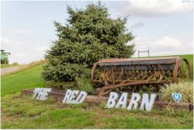 Wedding Venues In Illinois The Red Barn A Central Illinois Barn Wedding Venue