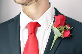 Groomsmen Boutonnieres How To Put On A Boutonniere In 5 Easy Steps Ftd Com