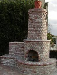 Round Brick Fire Pit Design - minus the blue stone i like the brick seating area and brick oven