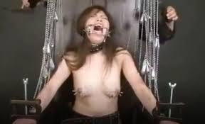 少女 乳首 針|