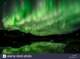 northern lights jasper national park aurora borealisnorthern lights over pyramid lake in jasper national