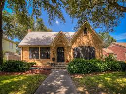 before u0026 after historic texas bungalow sees stylish makeover