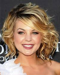 medium hairstyles pictures of medium wavy curly hairstyles