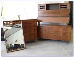 Mid Century Bedroom Furniture Ideas Bedroom  Home Design Ideas - Amazing mid century bedroom furniture home