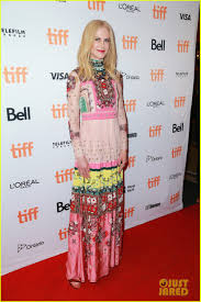 The Week In Celebrity Fashion by This Week In Celebrity Fashion Part Ii Walk Into The Light