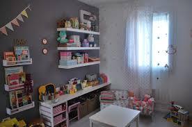 étagère chambre bébé livre deco chambre bebe famille et bébé