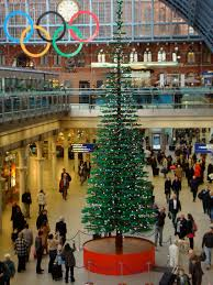 the toy detectives lego christmas tree at st pancras