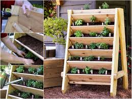 How To Make Planters by The Perfect Diy Vertical Planter For Your Garden Planters