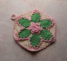 handmade vintage crocheted potholder 1930s 1940s pink green