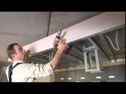 plafond suspendu cuisine placer un faux plafond au dessus de la cuisine
