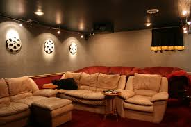 Home Theater Decorating Ideas Pictures by Inspiring Schemes Of Cool Home Theater Rooms Presenting Cream
