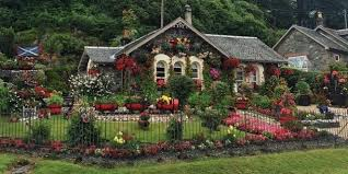 Garden Summer Houses Scotland - how to give your cottage garden the wow factor all year round