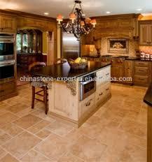 cuisine travertin cuisine parquet fantaisie carreaux de marbre beige pierres de marbre