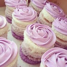 hochzeitstorte cupcakes 17 best purple images on purple cupcakes castles and
