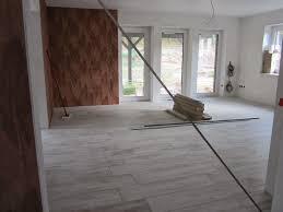 Wohnzimmer Fliesen Funvit Com Wohnzimmer Fliesen