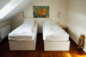 when should you replace your bed mattress and pillows my decorative