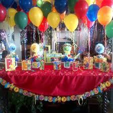 Elmo Centerpieces Ideas by Sesame Street Birthday Party Centerpiece Balloon Holders