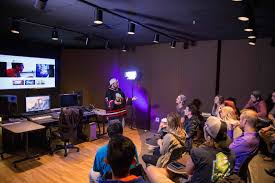 Ringling College Of Art And Design Jobs Kevin Smith Returns To Sarasota To Film Horror Movie Arts And