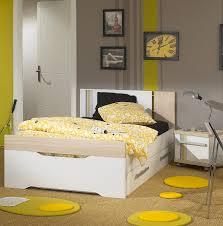 deco chambre jaune beautiful deco chambre jaune et blanc images design trends 2017